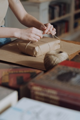 7 Best gifts for bookworms, book lovers